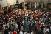 Die Pausenhalle ist gefüllt<br />© Foto: Renate Bonow<br /><br />